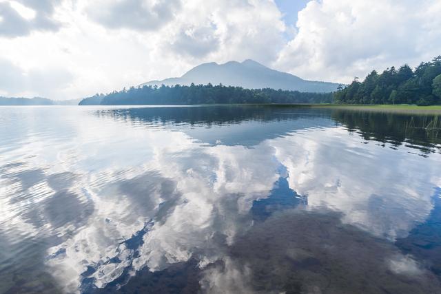 Lake Oze-numa and Mt. Hiuchi-ga-take