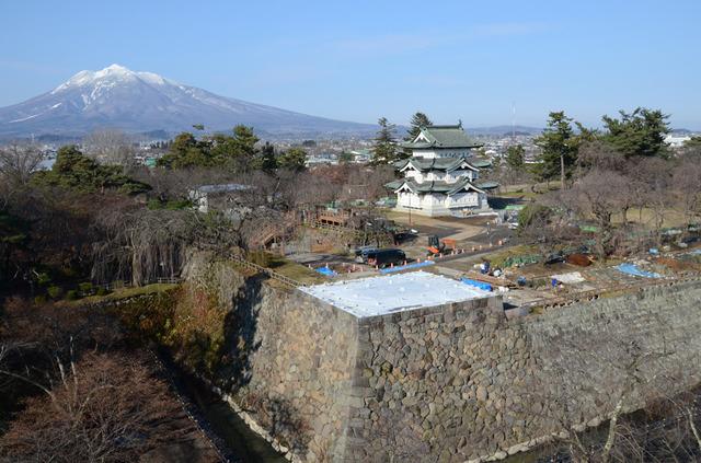 Towed Tenshu of Hirosaki Castle