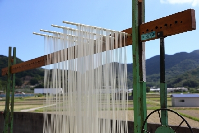 Drying process of Sōmen at Shōdo-shima Island